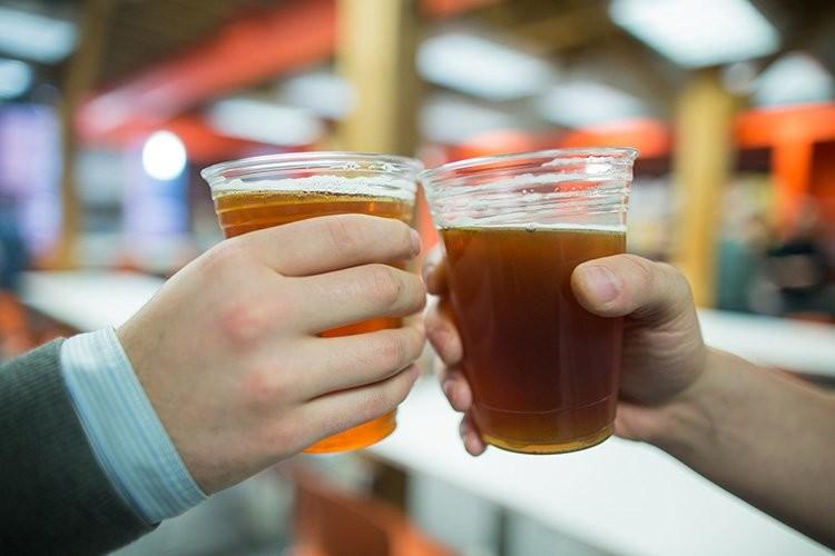 Rượu bia là thực phẩm không tốt cho răng và cả sức khỏe