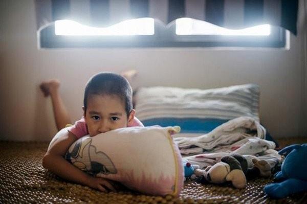 Trẻ tự kỷ gặp nhiều khó khăn trong cuộc sống
