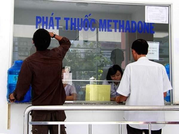 Để sử dụng methadone, người bệnh phải tới trung tâm y tế lấy thuốc uống ngay tại trung tâm.
