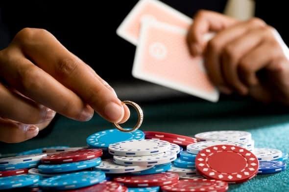 nghiện cờ bạc