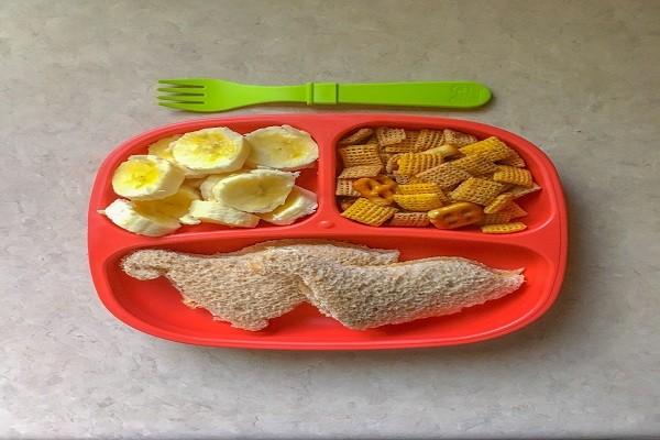 Bữa ăn sáng điển hình dành cho trẻ 3 tuổi