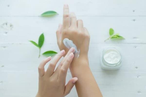 Kem dưỡng ẩm là một sản phẩm chăm sóc da rất phổ biến