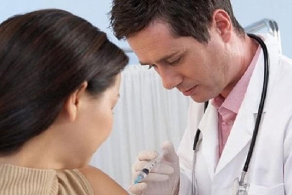 Tiêm ngừa phòng bệnh ở người lớn