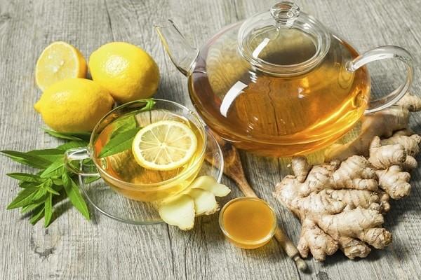 Trà gừng giúp giảm đau bụng