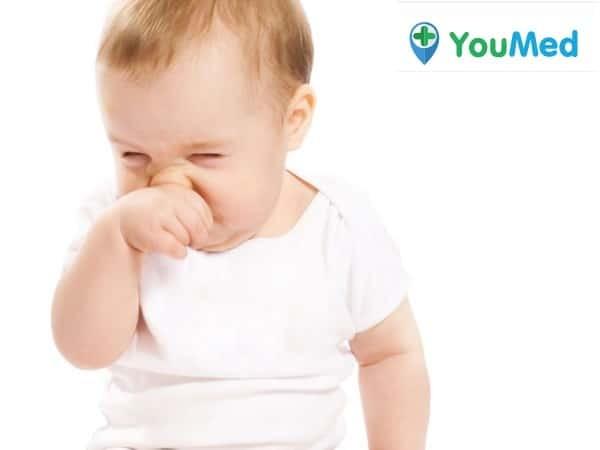 Dị vật trong mũi trẻ sơ sinh có thể gây nghẹt mũi