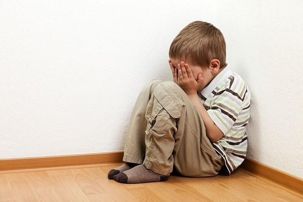 Trẻ dễ bị trầm cảm khi bị ép ăn
