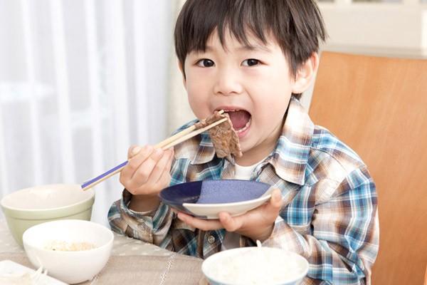 Ăn dặm theo kiểu Nhật giúp trẻ thoải mái hơn