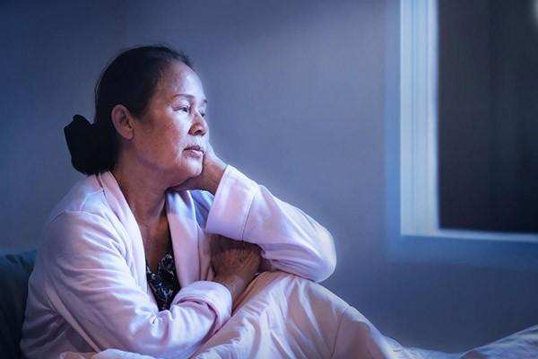 Tiểu đêm nhiều gây rối loạn giấc ngủ