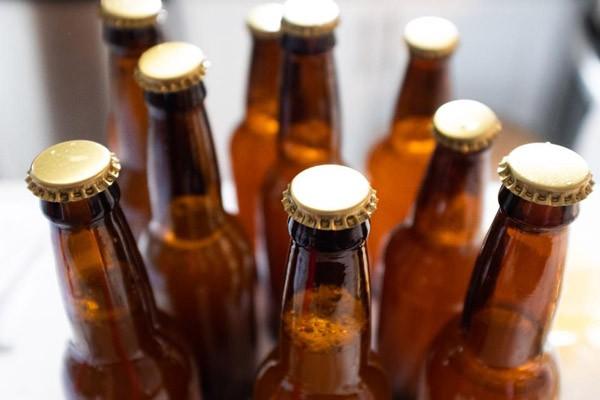 Rượu bia là một trong các nguyên nhân gây bàng quang tăng hoạt