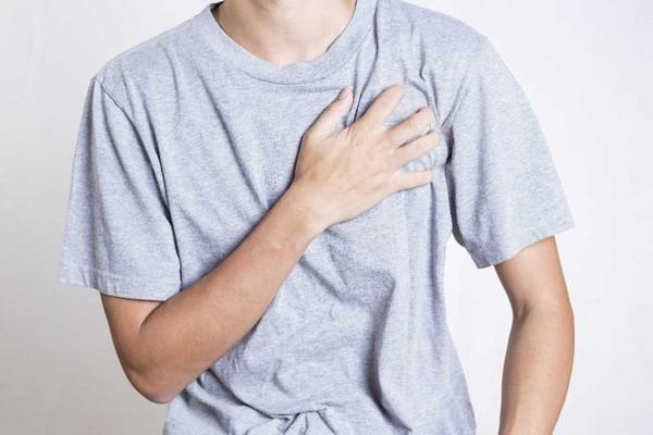 Đánh trống ngực là một trong các tác dụng phụ của thuốc