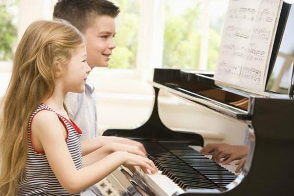 Hãy tạo điều kiện cho trẻ phát triển trí thông minh âm nhạc