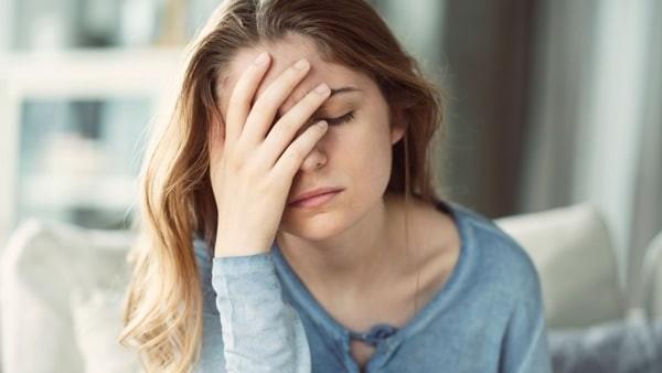 đau đầu trong thời gian hành kinh