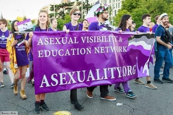 Người asexual chiếm tỷ lệ rất nhỏ trong dân số - asexual là gì
