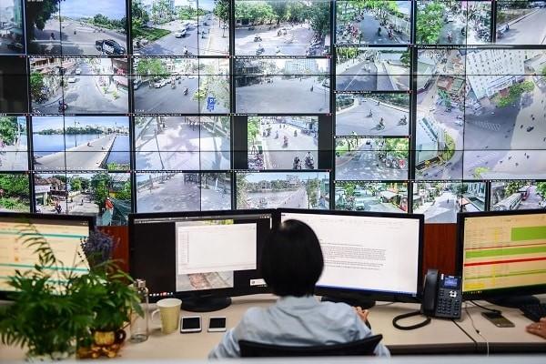 Lắp đặt nhiều camera an ninh nơi công sở