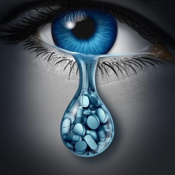 Cần thận trọng khi dùng thuốc cho người bị trầm cảm