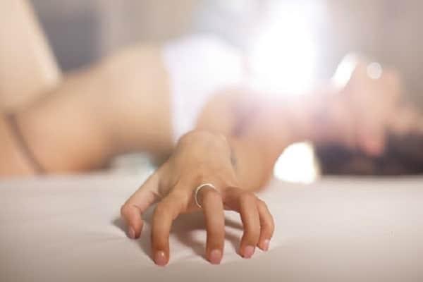 Massage yoni