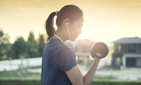 Tập luyện thể dục thường xuyên cũng giúp giảm các triệu chứng của hội chứng buồng trứng đa nang