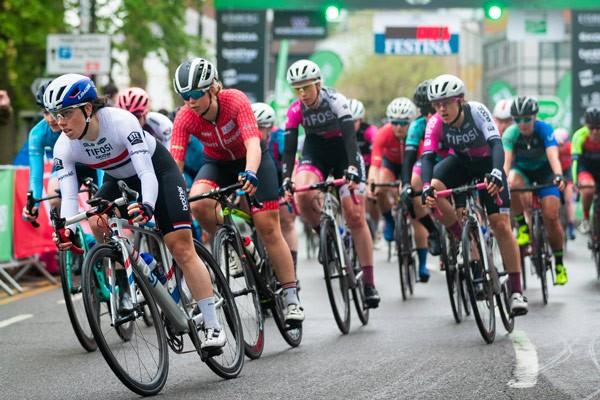 Vận động viên đua xe đạp có nhiều nguy cơ bất lực