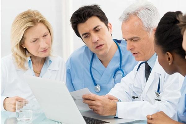 Cần nhiều bác sĩ chuyên khoa khác nhau để xác định nguyên nhân rối loạn cương