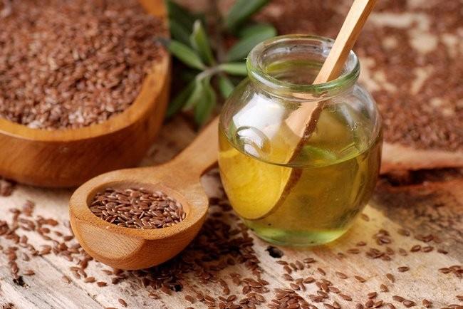 Dầu hạt lanh có thể giúp làm giảm chứng đau bụng kinh