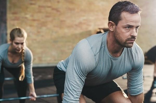 Vận động ở nơi cao khiến bạn có có nguy cơ cao bị đau đầu vận độn