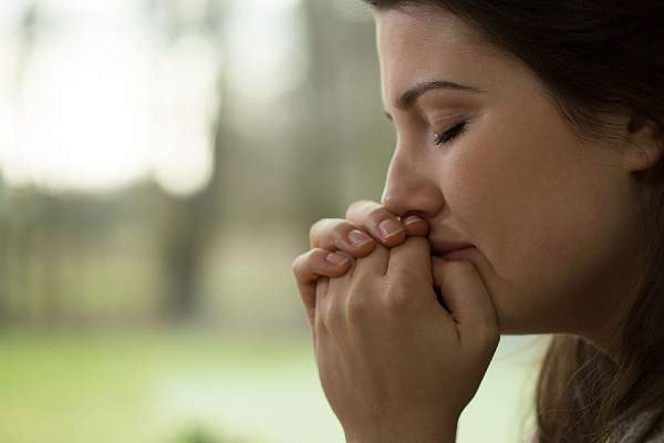 lợi ích của việc khóc