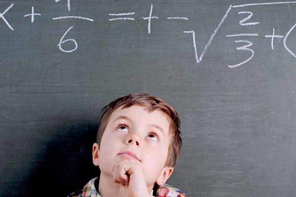 IQ cao hơn ở những trẻ bú sữa mẹ