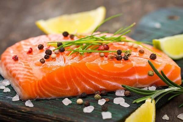 Cá hồi chứa nhiều acid béo omega 3