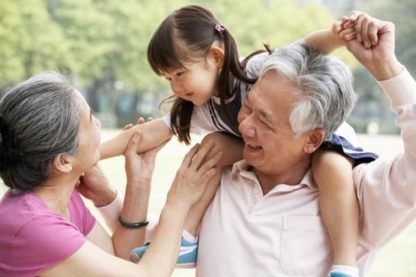 Thuốc hỗ trợ tăng cường hệ miễn dịch ở người cao tuổi