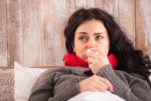 Có thể dùng dược liệu để trị nhức đầu, cảm sốt