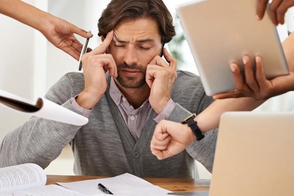 Áp lực công việc có thể dẫn tới trầm cảm nam giới
