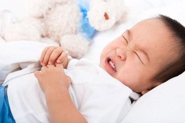 Trẻ sơ sinh bị đầy hơi sẽ cảm thấy khó chịu