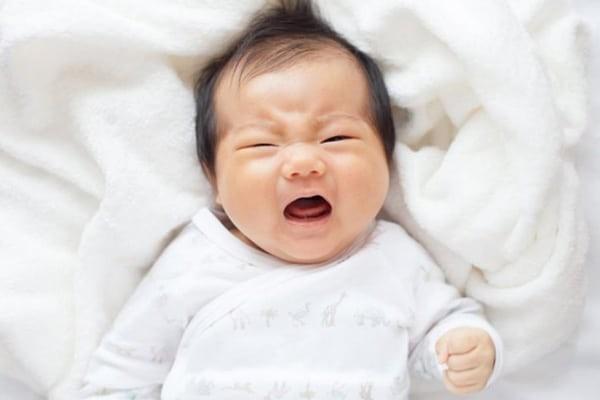 Phụ huynh cần phân biệt giữa khóc dạ đề và khóc do bệnh lý