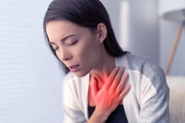 triệu chứng khó thở khi bị bệnh phù phổi