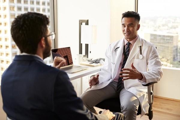 Bệnh nhân viêm niệu đạo nam vẫn cần theo dõi sau điều trị