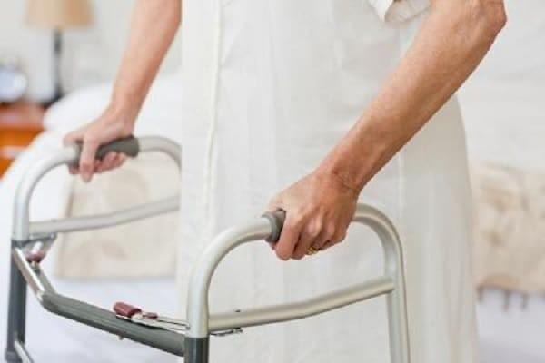 Các dụng cụ hỗ trợ giúp bệnh nhân giảm nguy cơ té ngã