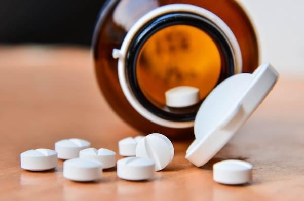 Sử dụng corticosteroid lâu ngày có thể bị nhiều tác dụng phụ