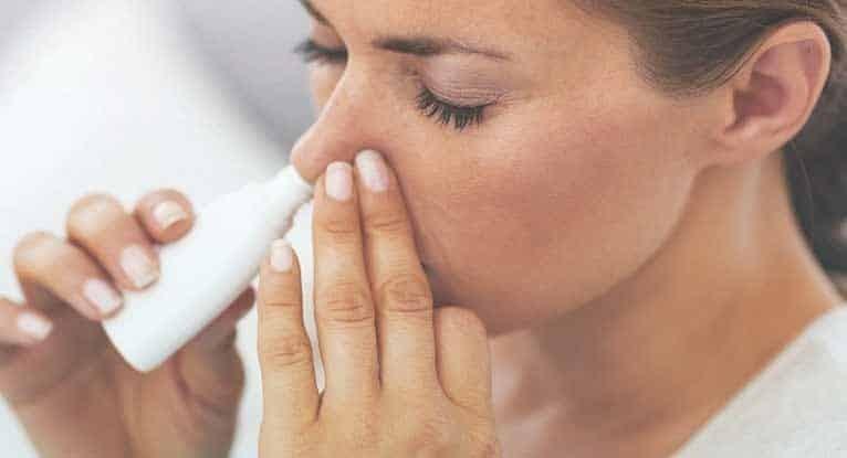 Tránh lạm dụng các thuốc xịt thông mũi