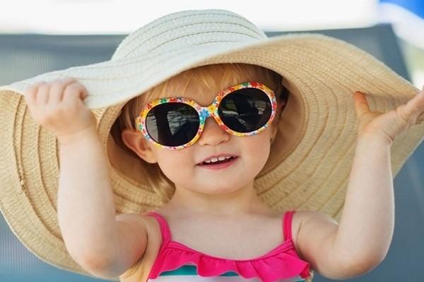 Bảo vệ đôi mắt cho trẻ em