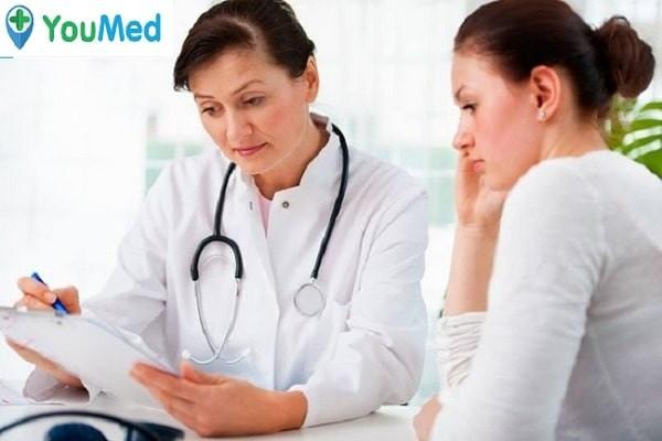 Các bác sĩ tư vấn trước khi nạo phá thai
