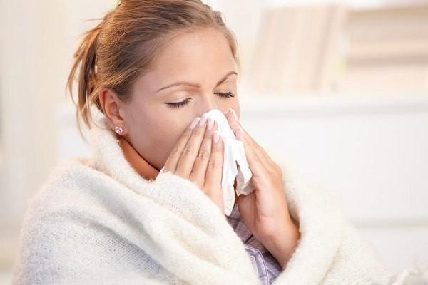 Nghẹt mũi là một dấu hiệu mang thai thường gặp