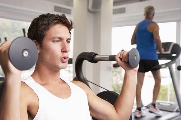 Giảm cân và luyện tập thể thao có thể giúp cải thiện số lượng và chất lượng tinh trùng