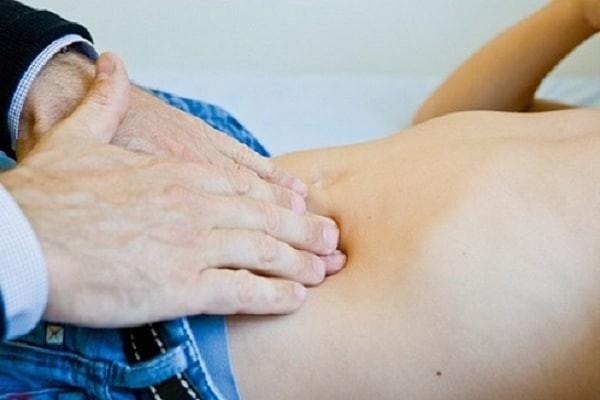 Sỏi túi tinh gây đau bụng vùng hạ vị