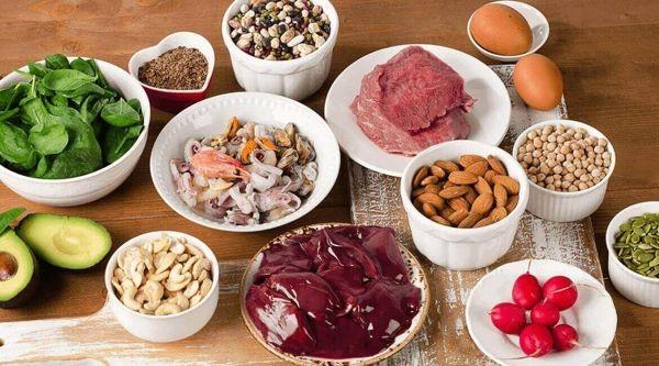 Thịt hoặc cá càng có màu đỏ thì lượng sắt càng cao.
