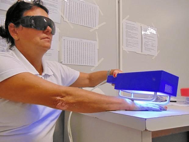 Sử dụng liệu pháp ánh sáng để trị bệnh