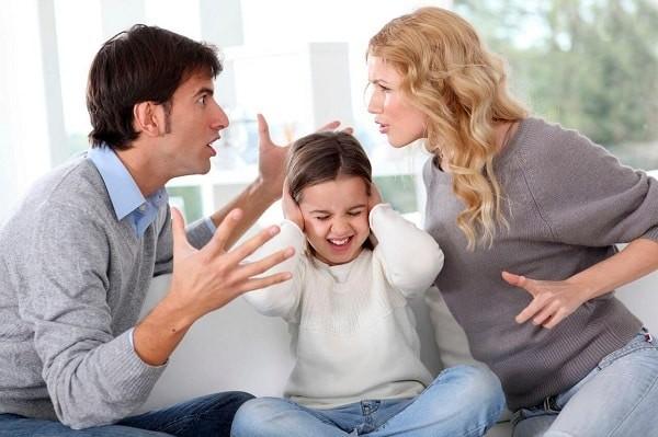 Cách cha mẹ nuôi dạy trẻ ảnh hưởng đến tính cách trẻ
