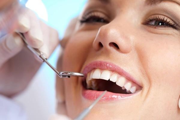 Bạn nên khám răng định kỳ
