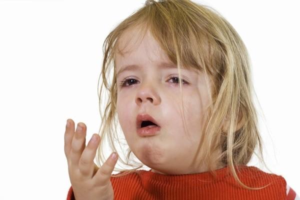 Trẻ khó thở, ho khan khi bị viêm Đường hô hấp dưới