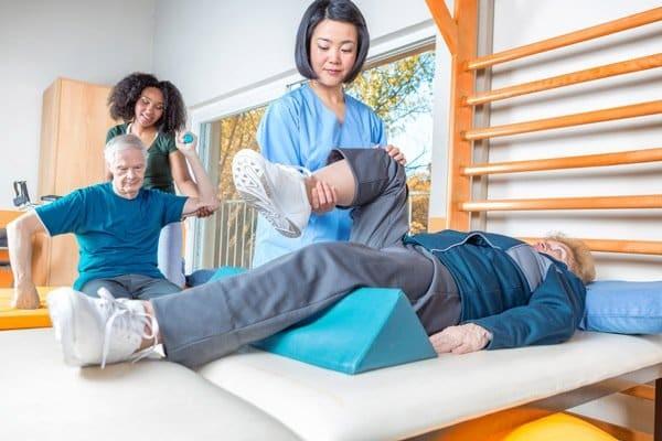 Việc điều trị bằng vật lý trị liệu sẽ giúp ích cho tình trạng của bạn