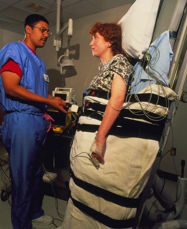 Nghiệm pháp bàn nghiêng rất cần thiết khi tiếp cận một bệnh nhân ngất